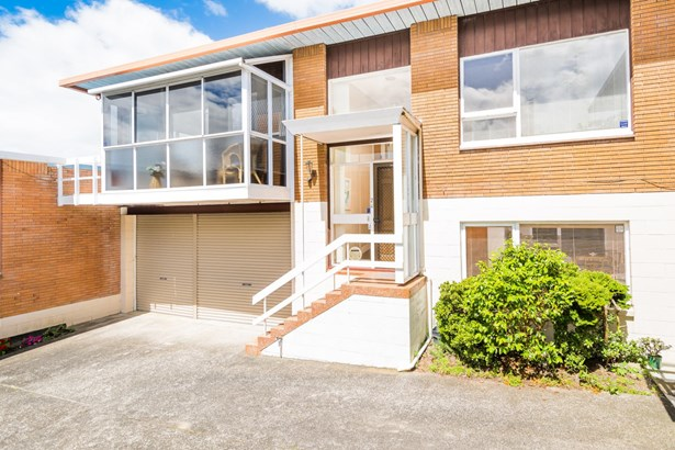 2/4 Rangitoto Terrace, Milford, Auckland - NZL (photo 2)