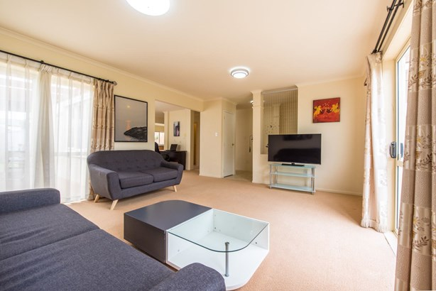 15 Pitfire Place, Blockhouse Bay, Auckland - NZL (photo 3)