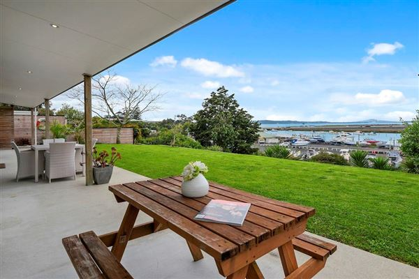 52 Covil Avenue, Te Atatu South, Auckland - NZL (photo 5)