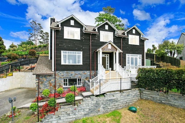 39 & 39a Malters Place, Browns Bay, Auckland - NZL (photo 2)