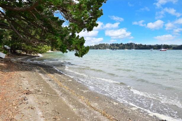 17 Ridge Road, Scotts Landing, Auckland - NZL (photo 1)