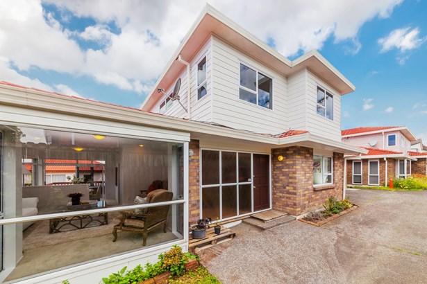 2/52 Simmental Crescent, Somerville, Auckland - NZL (photo 5)