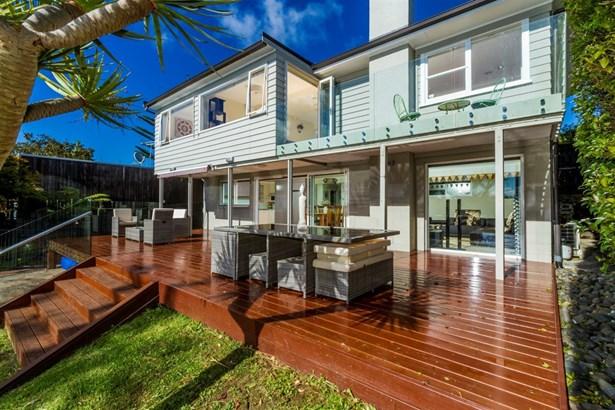8 Sandford Street, Campbells Bay, Auckland - NZL (photo 5)