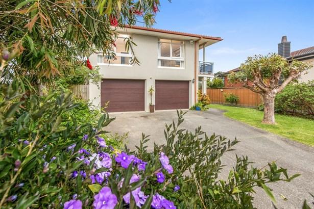 111 Clovelly Road, Bucklands Beach, Auckland - NZL (photo 1)