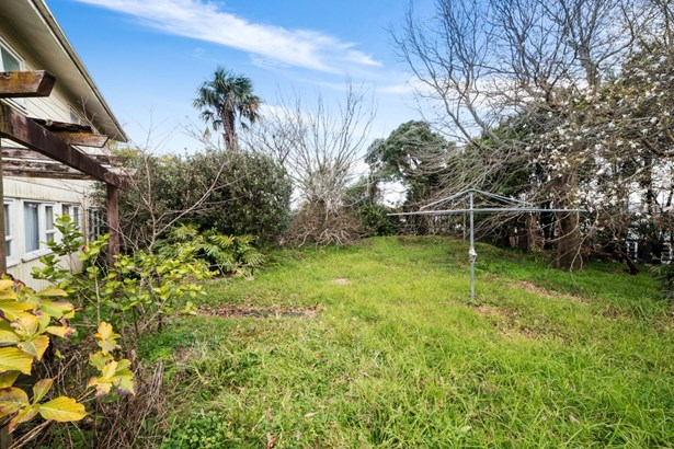 167 Chivalry Road, Glenfield, Auckland - NZL (photo 5)