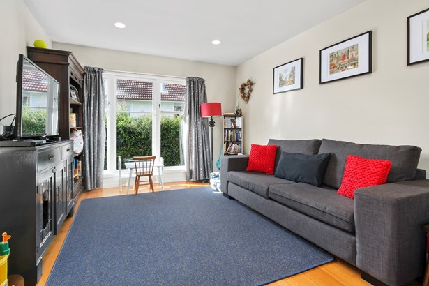 7 Essex Street, Te Atatu South, Auckland - NZL (photo 3)