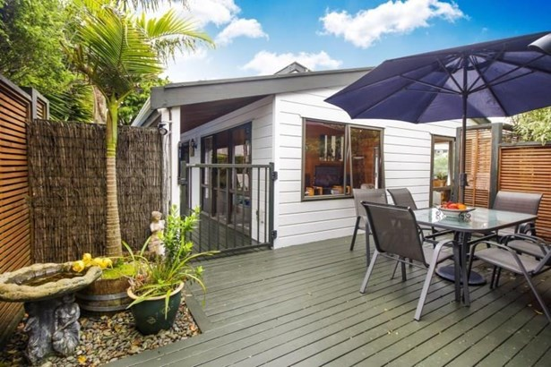 5 Hutchinsons Road, Bucklands Beach, Auckland - NZL (photo 3)