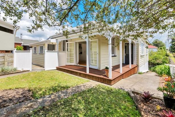 23 Karaka Street, Helensville, Auckland - NZL (photo 2)