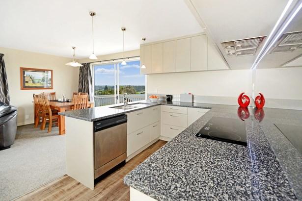 5 Roberts Road, Glenfield, Auckland - NZL (photo 3)