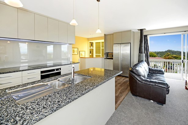 5 Roberts Road, Glenfield, Auckland - NZL (photo 4)
