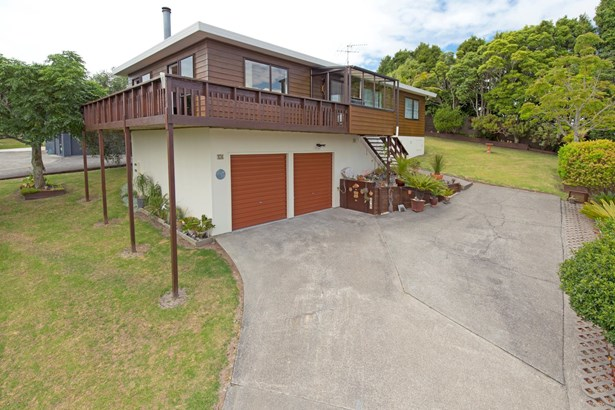 18 Royalty Rise, Red Beach, Auckland - NZL (photo 1)