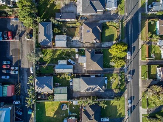 24 Edwards Avenue, Henderson, Auckland - NZL (photo 1)