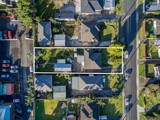 24 Edwards Avenue, Henderson, Auckland - NZL (photo 2)