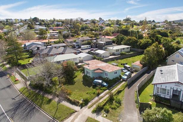 5 Glengarry Road, Glen Eden, Auckland - NZL (photo 2)