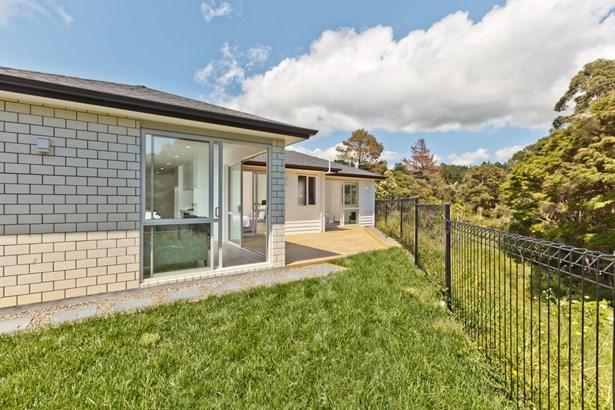 10 Pheasant Close, Stanmore Bay, Auckland - NZL (photo 4)