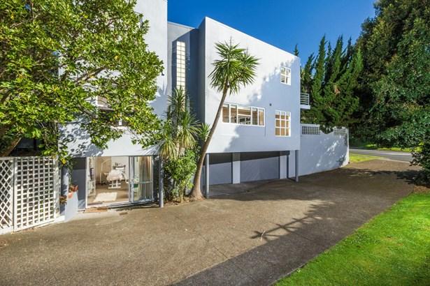 2/236 Beach Road, Campbells Bay, Auckland - NZL (photo 3)