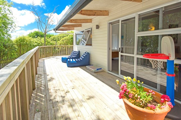 15 Jelas Road, Red Beach, Auckland - NZL (photo 3)