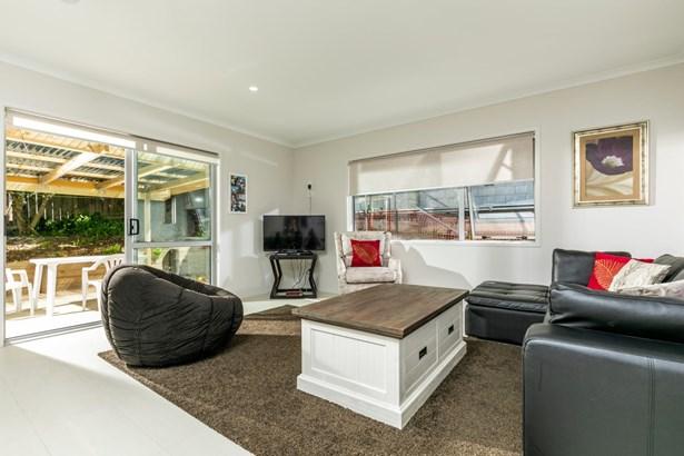 42c Hogans Road, Glenfield, Auckland - NZL (photo 2)
