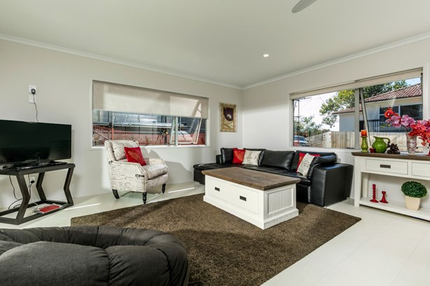 42c Hogans Road, Glenfield, Auckland - NZL (photo 3)