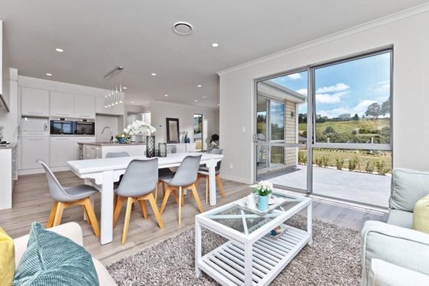 5 Pheasant Close, Stanmore Bay, Auckland - NZL (photo 3)