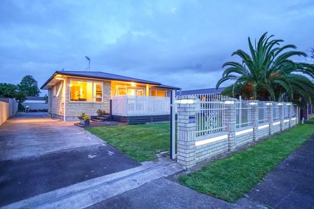 56 Convair Crescent, Mangere, Auckland - NZL (photo 1)