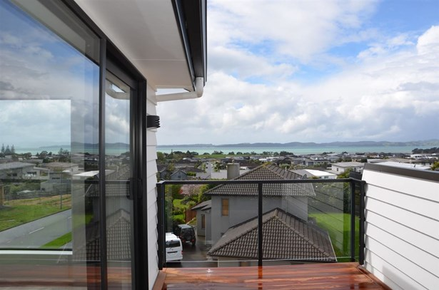 10 Thistle Close, Beachlands, Auckland - NZL (photo 4)