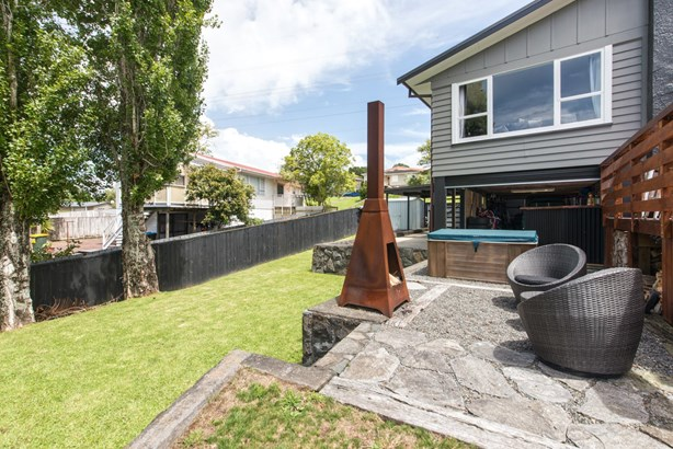 15 Caronia Crescent, Lynfield, Auckland - NZL (photo 4)