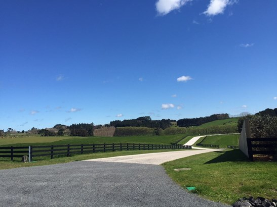 12 Bordeaux Place, Te Kauwhata, Waikato District - NZL (photo 2)