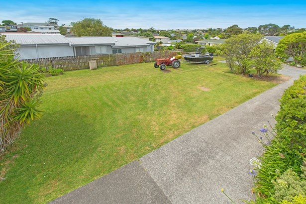 15a Brixton Road, Manly, Auckland - NZL (photo 5)