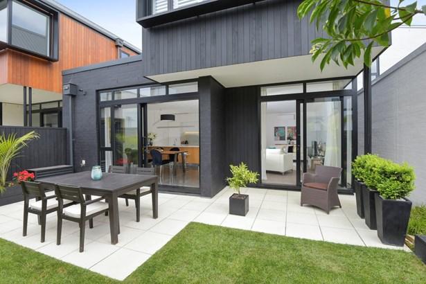 14 Isitt Road, Hobsonville, Auckland - NZL (photo 4)