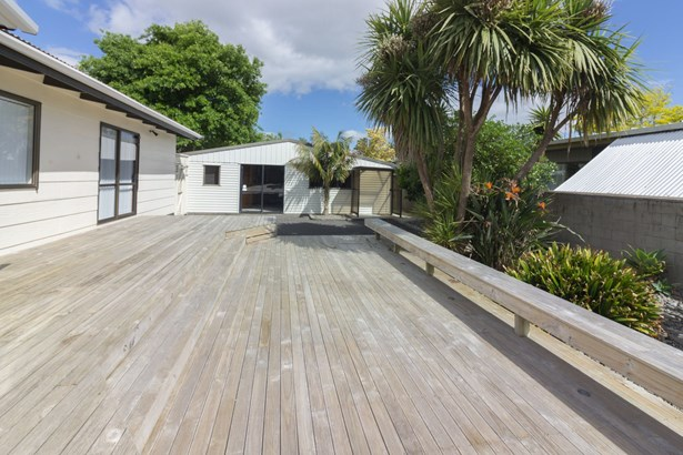 23 Bluewater Place, Wattle Downs, Auckland - NZL (photo 2)