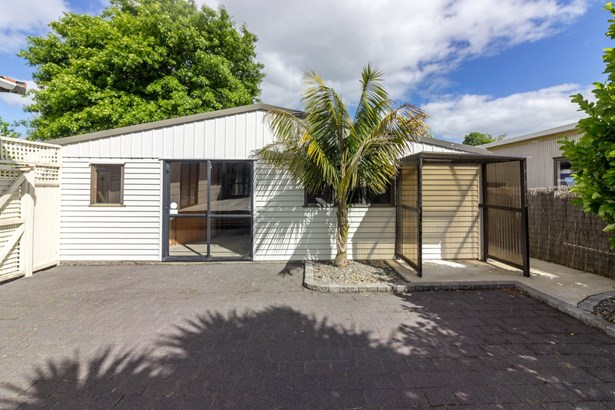 23 Bluewater Place, Wattle Downs, Auckland - NZL (photo 3)