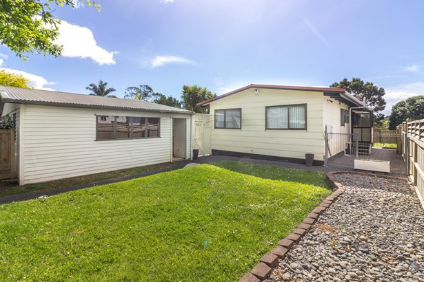 23 Bluewater Place, Wattle Downs, Auckland - NZL (photo 4)