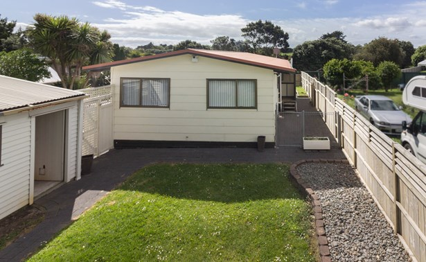 23 Bluewater Place, Wattle Downs, Auckland - NZL (photo 5)