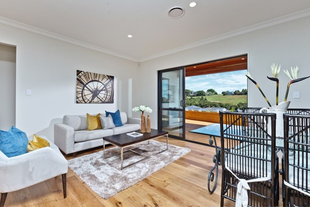 4 Somerset Place, Stanmore Bay, Auckland - NZL (photo 5)