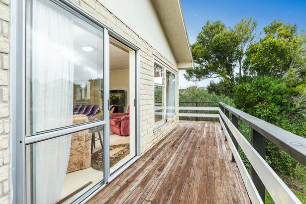 13 Windermere Crescent, Blockhouse Bay, Auckland - NZL (photo 5)