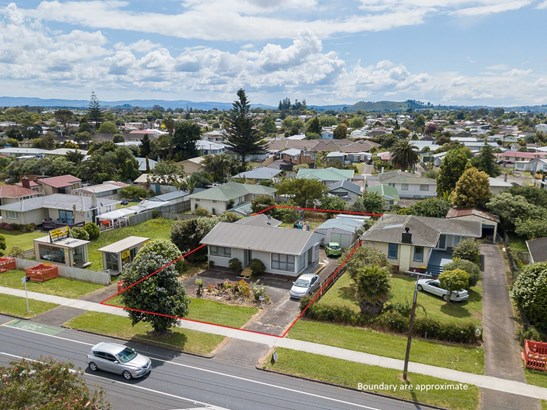 451 Massey Road, Mangere East, Auckland - NZL (photo 1)