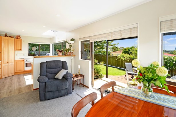 1/14 Raleigh Road, Northcote, Auckland - NZL (photo 5)