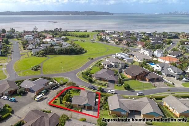 1/1 Piriti Drive, Te Atatu Peninsula, Auckland - NZL (photo 1)
