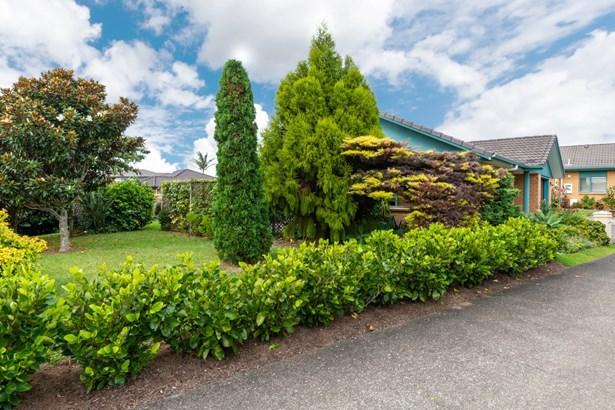 1/1 Piriti Drive, Te Atatu Peninsula, Auckland - NZL (photo 4)
