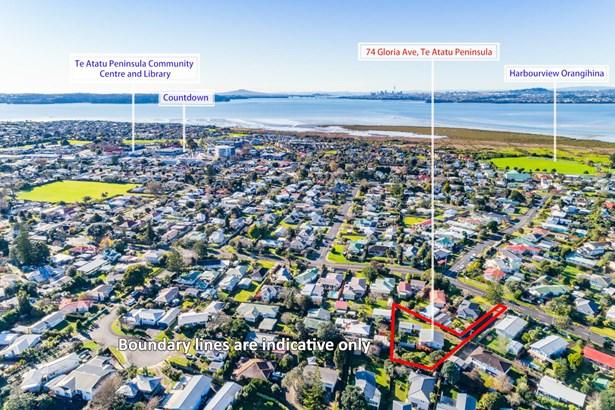 74 Gloria Avenue, Te Atatu Peninsula, Auckland - NZL (photo 2)