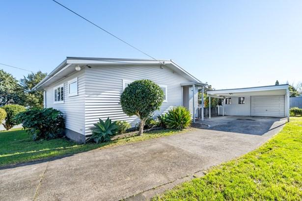 74 Gloria Avenue, Te Atatu Peninsula, Auckland - NZL (photo 3)