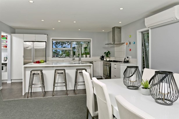 56 Upper Harbour Drive, Greenhithe, Auckland - NZL (photo 2)