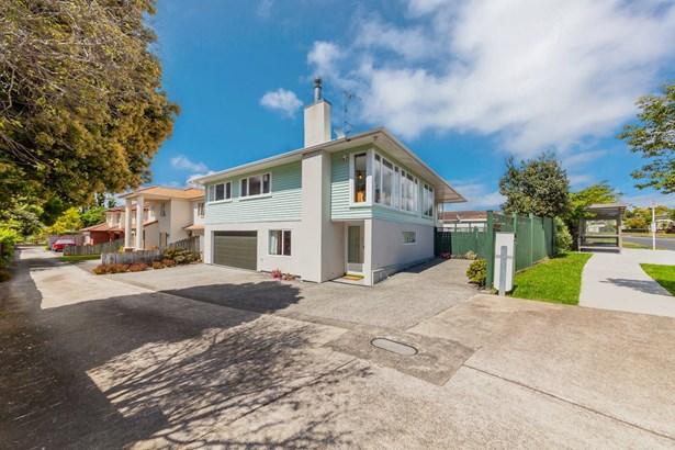 48 Casuarina Road, Half Moon Bay, Auckland - NZL (photo 1)