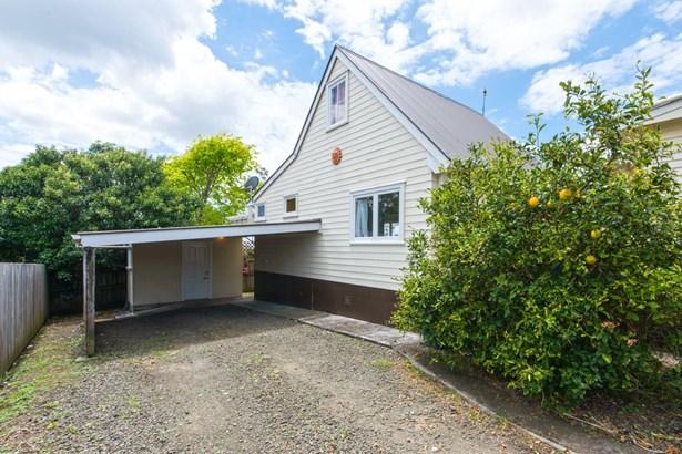 107 Waimumu Road, Massey, Auckland - NZL (photo 4)