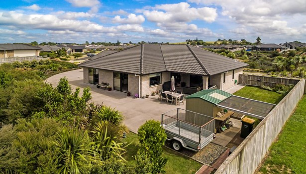 40 Searle Drive, Patumahoe, Auckland - NZL (photo 2)