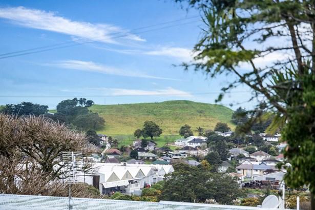390 Richardson Road, Mt Roskill, Auckland - NZL (photo 4)