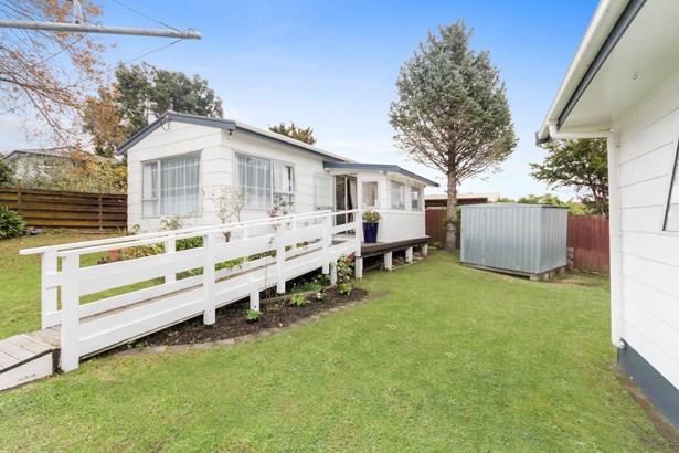 418a West Coast Road, Glen Eden, Auckland - NZL (photo 4)