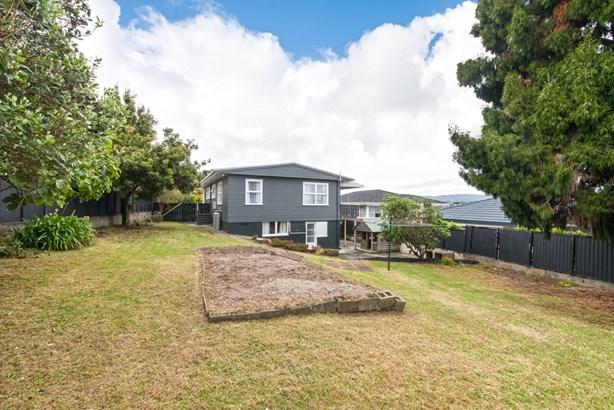 41 School Road, Te Atatu South, Auckland - NZL (photo 2)