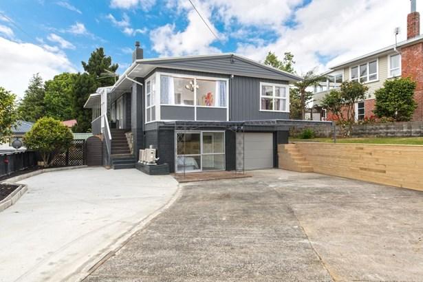 41 School Road, Te Atatu South, Auckland - NZL (photo 3)